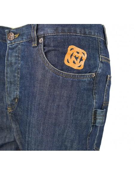 Pantalon COMUN98 KF PATCH NARANJA detalle delante