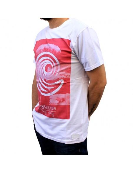 Camiseta CNF BOMB